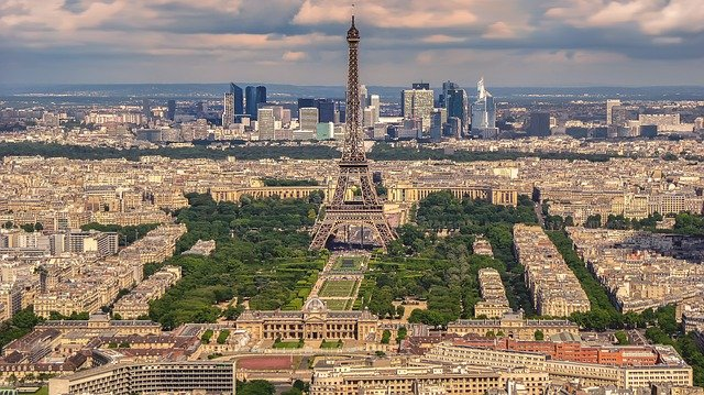 Paris (online and on site)